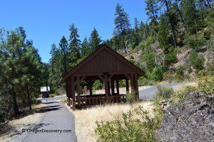 Sixmile - Picnicking pavilion