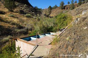 Soaking Tubs at Ritter Hot Springs