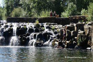 Scotts Mills Falls