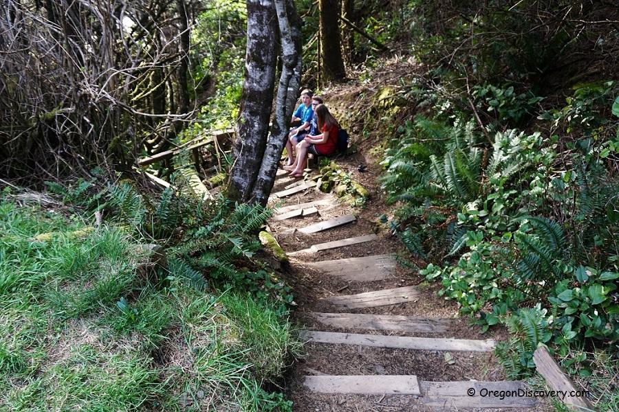 Short Beach Rockhounding Hiking