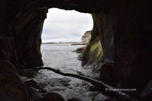 Bastendorff Beach - Cave
