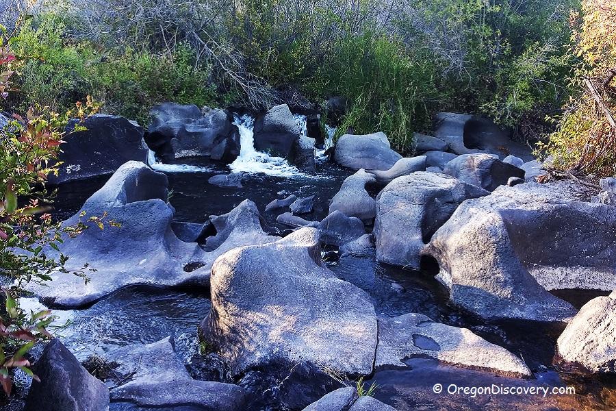 Cline Falls Deschutes River