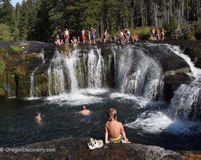 South Umpqua Falls Swimming