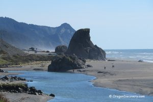 Gold Beach - Kissing Rock