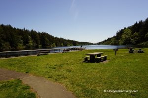 Coffenbury Lake. Picnic Area.