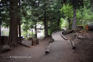 Lost Lake Hiking