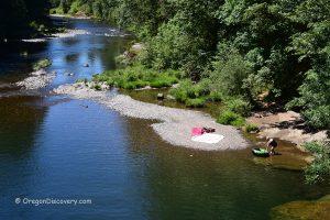 Cascadia Day-Use Area - South Santiam River