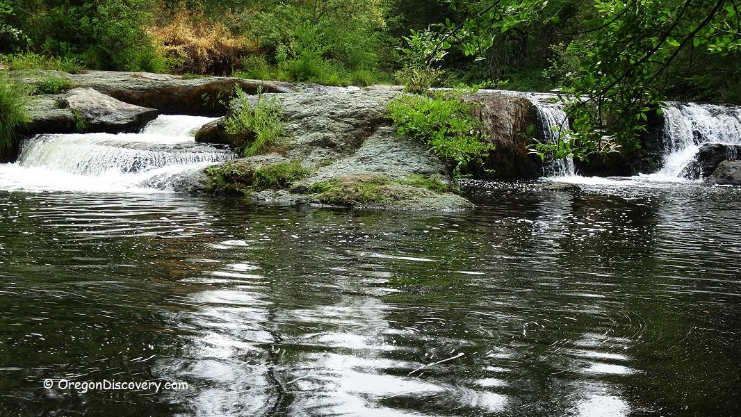 Crowfoot Falls - Oregon